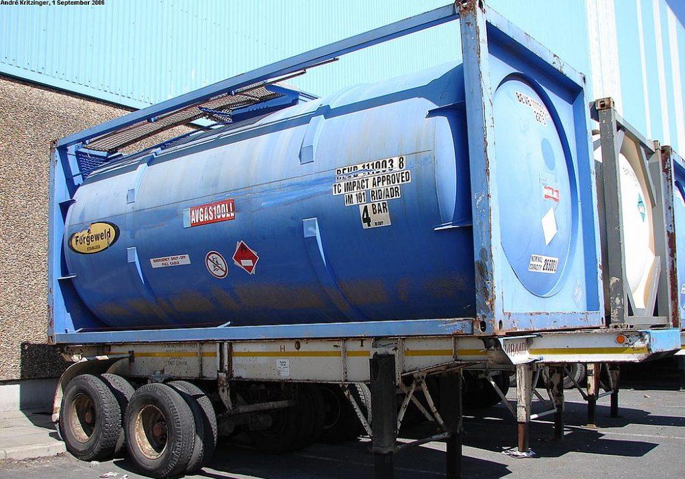 Frankrijk beperkt het aantal parkeerplaatsen voor ADR-vrachtwagens.